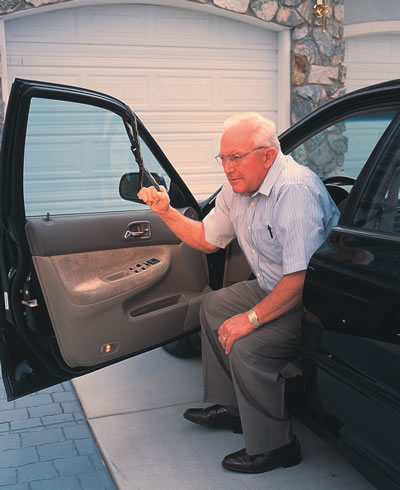 Device To Help Elderly Get Out Of Car