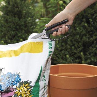 Garden scissors by oxo good grips ergonomic loop for Big scissors for gardening