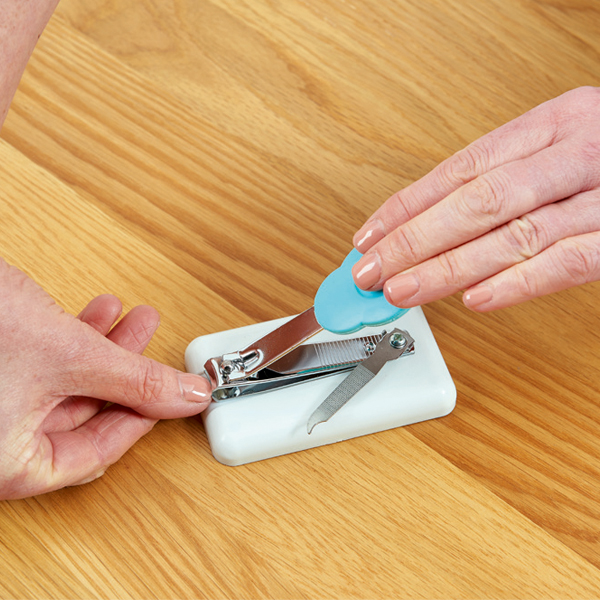 Table Top Nail Clipper Mounted Large Grip For Leverage
