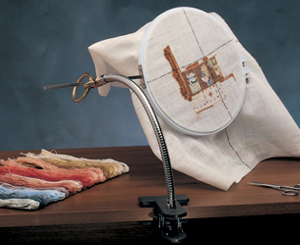 Embroidery-Hoop-Holder