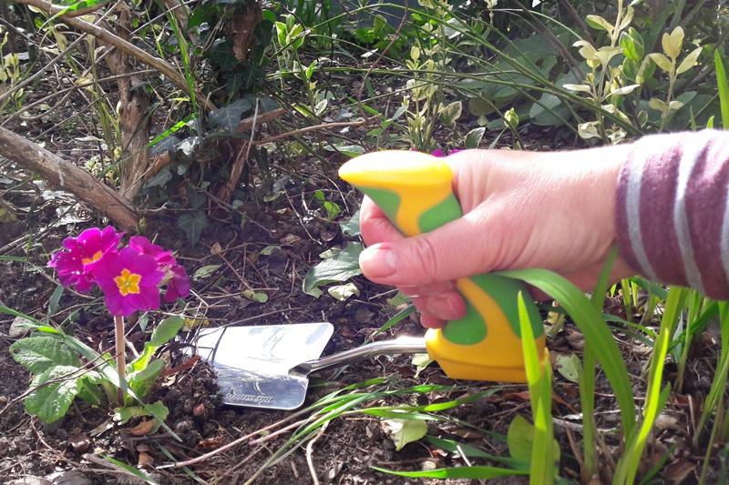 Peta-Easi-Grip-Garden-Trowel