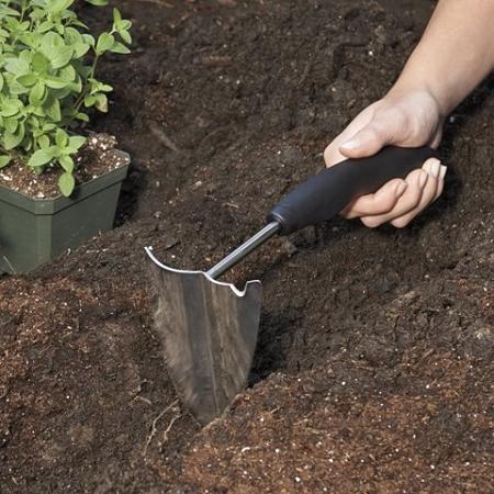 garden hand plowoxo good grips with nonslip grip handle